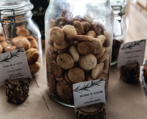 posts business-11